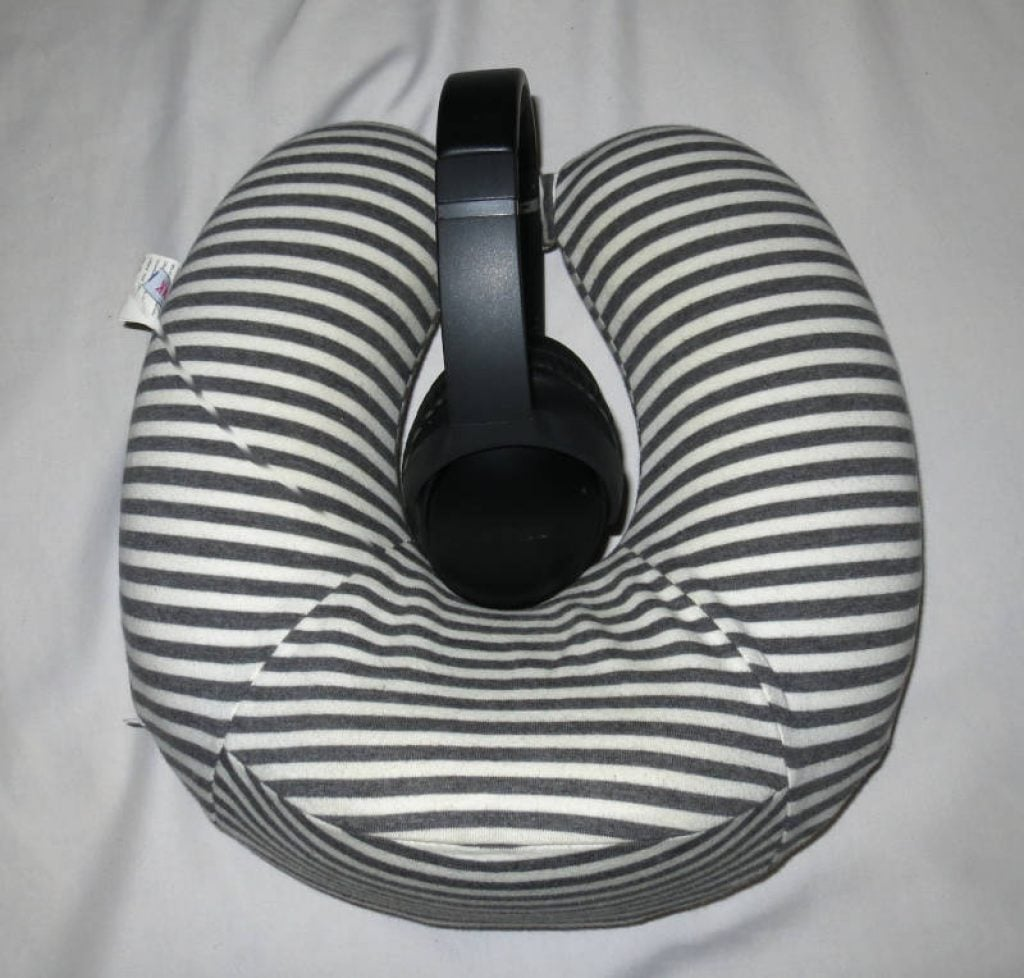 bose QC35 headphones with travel pillow for side sleepers